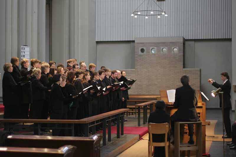 11. April 2006: Kirche St. Josef, Krefeld-Stadtmitte, Passionskonzert, Crescendo Chor Krefeld